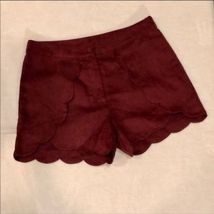 Leith Burgundy Faux Suede Scallop Hem Shorts Small